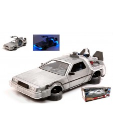 BACK TO THE FUTURE 2 TIME MACHINE DELOREAN